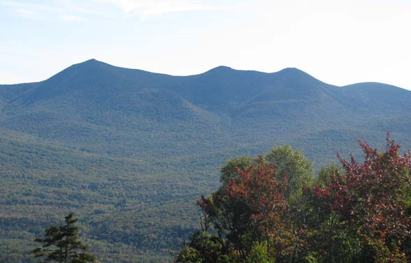 View of the Tripyramids from the first viewpoint on the hike up (photo by Karl Searl)