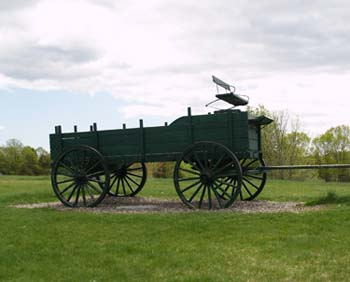 The landmark wagon at Wagon Hil Farm (photo by Webmaster)