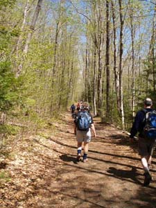 An easy walk on Lincoln Woods Trail to Black Pond (photo by Webmaster)