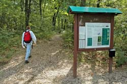 Ponemah Bog trailhead (photo by Ben Kimball for the NH Natural Heritage Bureau)